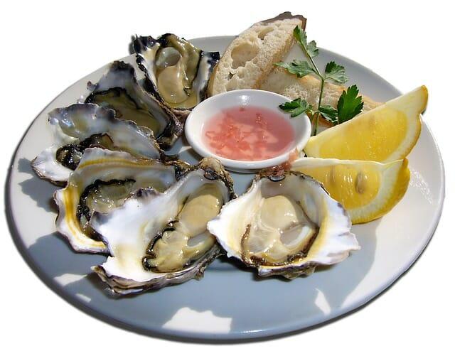 おいしそうな生牡蠣料理画像